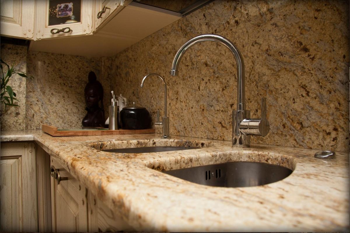 столешницы на кухню из искусственного камня цена